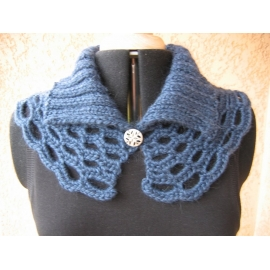 Luscious - crochet + knit collar