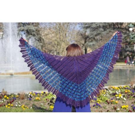 Bluebird - crochet shawl
