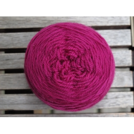 Merino fingering weight Colour-Merino fingering weight - fuchsia