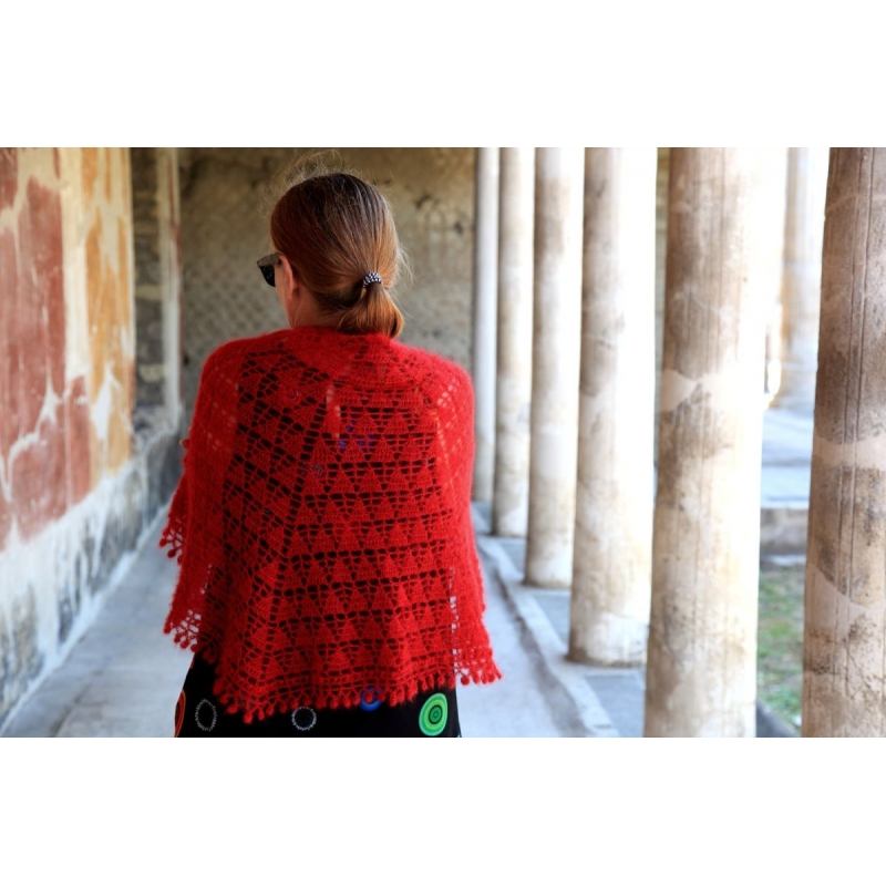 Poppaea Shawl - crochet shawl - Annette Petavy Design