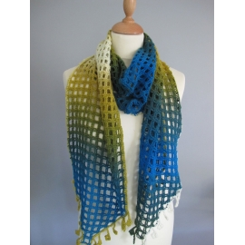 Squarely - crochet scarf