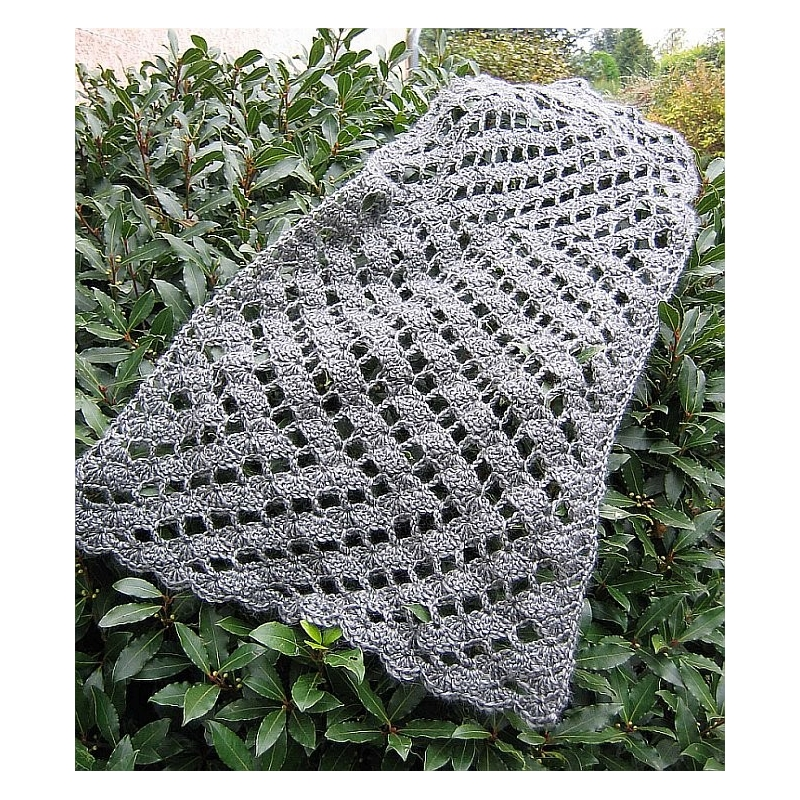 Crocheting Zig Zag Pattern : Crochet - patterns > Zig-zag - crochet stole