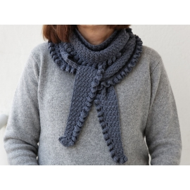Solveig - crocheted shawlette